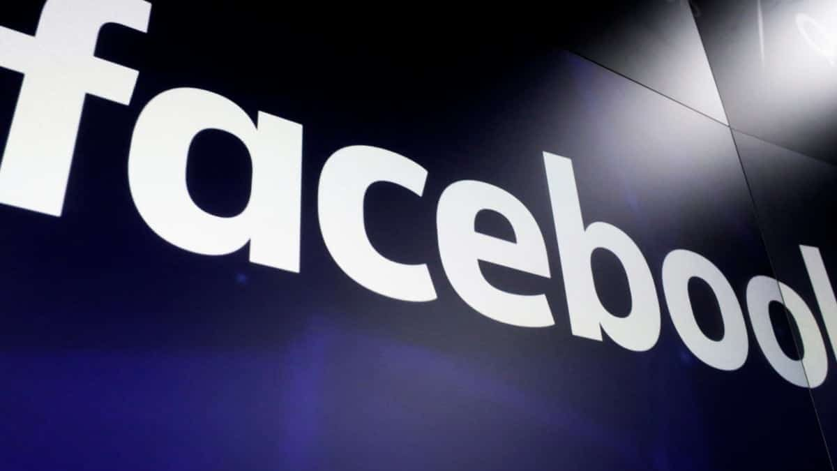 Facebook To Ban Ads Containing 'Hateful' Content
